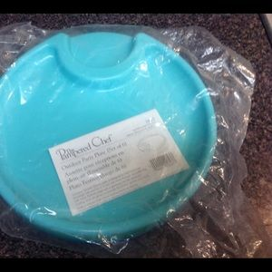 Pampered Chef Outdoor Party Plates set of 6.